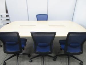 【ナチュラル+ブルーの鮮やかカラーリング!】■会議室を輝かせるカラーセット!■イトーキ+コクヨ製■幅2400■6名用(中古)