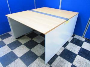 【状態良好】大人気フリーアドレスデスク■オカムラ製フリーウェイシリーズ■ミーティングテーブルとしても使用可能【β】