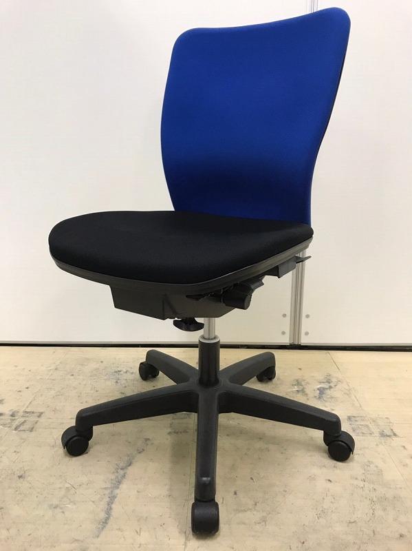 【スタンダードなオフィスチェア】TOYOSTEEL製 多機能かつ座り心地もいいコスパ抜群のチェアです。