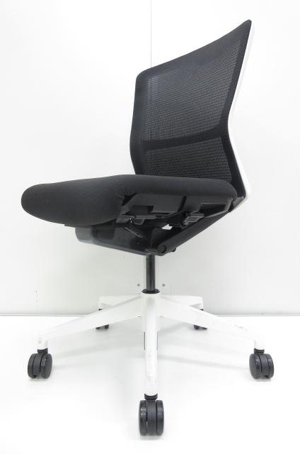 【あらゆるオフィスにマッチ!!】洗練されたシンプルなデザイン!!快適な座り心地を追求したオフィスチェア!!【状態良好!!】