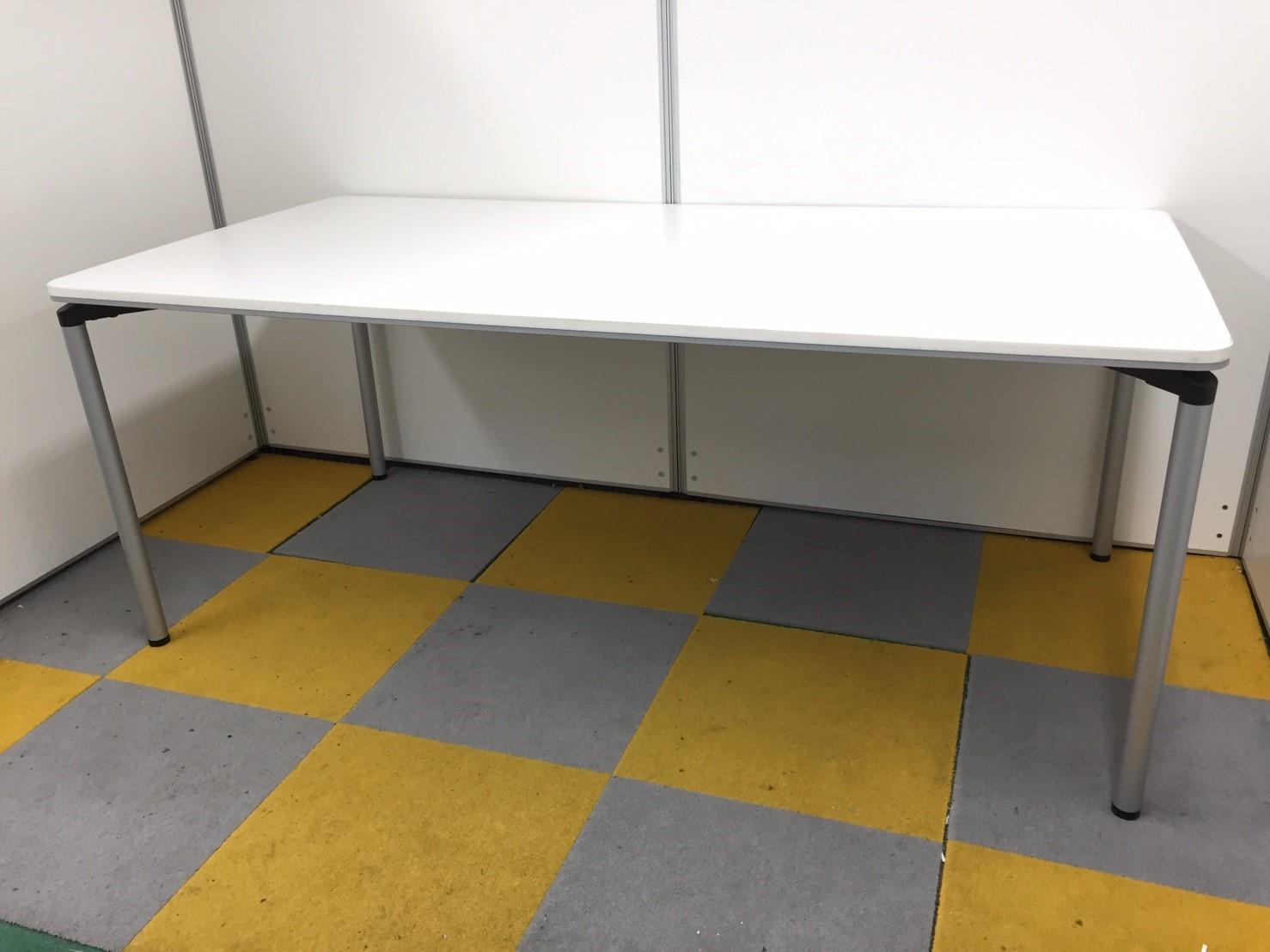 【4台入荷!】【シンプルなテーブル!】【会議だけでなく作業台としても!】コクヨ製 ミーティングテーブル