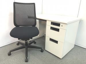 6セット限定!!【人気のホワイトカラーコンパクトサイズ片袖机とあらゆるシーンに美しく馴染むデザインに快適な座り心地を実現する充実の機能を搭載したチェアのセット商品です!!】