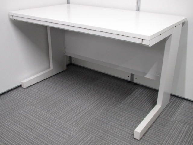 【綺麗なオフィス作りのお供に!】ホワイトがまぶしい!売れ筋デスクが限定入荷!
