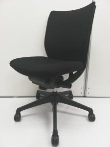 【専門会社にてクリーニング済み】■ヴィスコンテチェア(ローバック) ■背もたれ固定、座面前後調整 【クリーニング済】