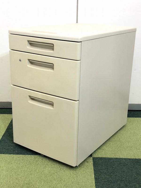 【定番中の定番!】机_収納の代表格とも言えます3段ワゴンのロット入荷です。