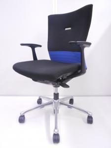 [事務椅子の決定版的チェア]いつもの椅子よりワンランク上のチェアでお悩みの方にオススメ! オフィスチェア 肘付き フィーゴチェア シームレスタイプ 固定肘