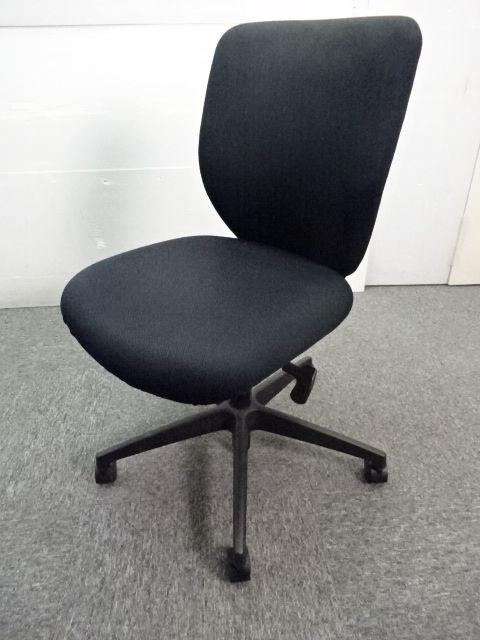 ◆数量2台 オフィスチェア◆~コクヨ製~シンプルデザイン・背面座面共に布生地のため安定感◎