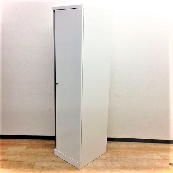 【良品入荷】ホワイト色でキレイに!オカムラ製1人用ロッカー掃除用具入れとしてもオススメ