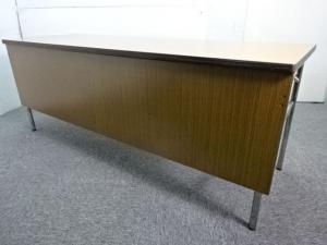 ◆限定1台◆~ホウトク製~バーチ色の折り畳みテーブル!女性が嬉しい幕板付き!