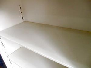 【ひと目で確認できます】清潔感溢れるホワイト色【A4ファイル3段収納可能】[THIN LINE](中古)