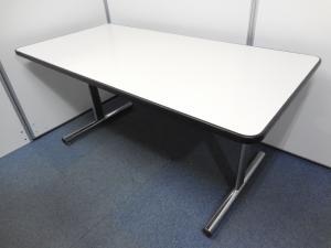 【早い者勝ち!1台限定!】ちょうどいいサイズのミーティングテーブル傷ありのため、安くお得!!