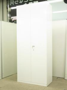 【衣類をしっかり収納!!】大容量のワードローブ!!清潔感のあるホワイト!!