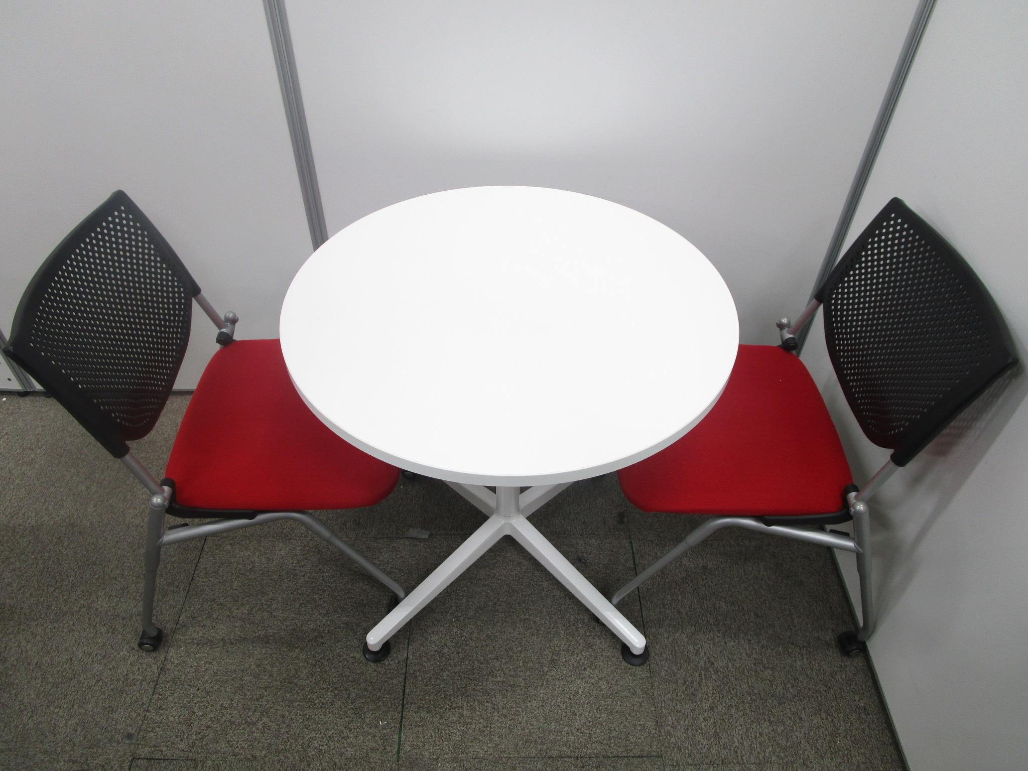 【レッドチェア2脚とホワイトチェアセット!】丸テーブルでレッドチェア2脚でオフィスのお客様の面談の時にピッタリ!