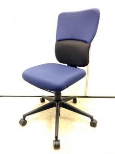 【ハイバック】ブルーxブラックのツートンカラー 肘無しチェア入荷!!座り心地抜群のチェアです!