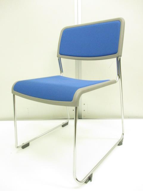 【会議・ミーティング・研修・イベント等で活躍!!】スタッキング可能なチェア!!パイプ椅子よりもしっかりした座り心地です!!