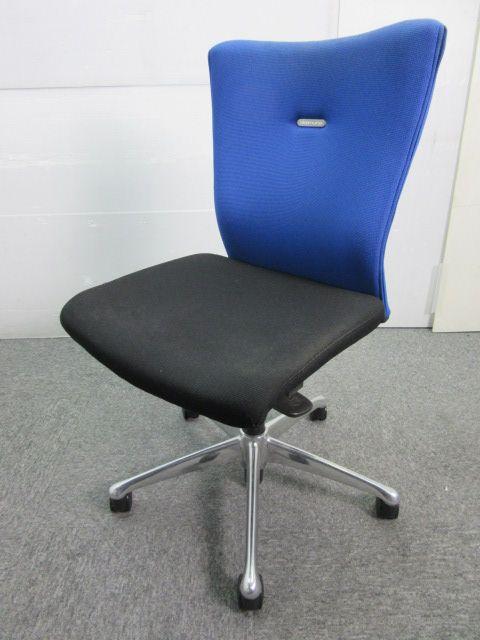オカムラ 定番中の定番オフィスチェア フィーゴシリーズ ブルー×ブラック