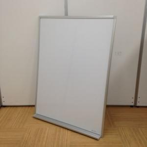 【限定1台!】国内メーカー製の壁かけホワイトボード入荷!【壁掛フックなし】