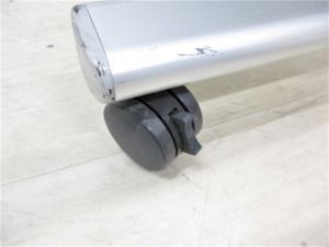 希少な3つ折りパーテーション キャスターロック付き フレキシブルに対応可能で非常に便利!|-(中古)