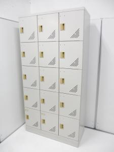【激レアアイテム!扉付きの靴箱が3台緊急入荷!】下履きも収納可能な便利な内側2段タイプです!