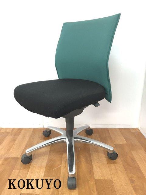 【分厚いクッションが快適な座り心地でオフィスワークをサポートしてくれます!!】