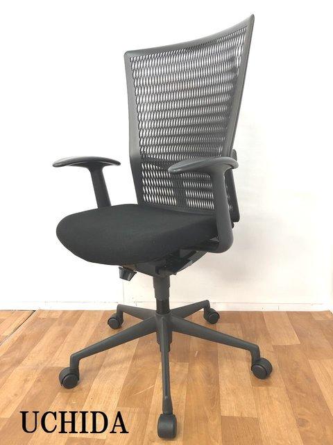 【通気性が良い背もたれと快適な座り心地のオフィスチェア!!】