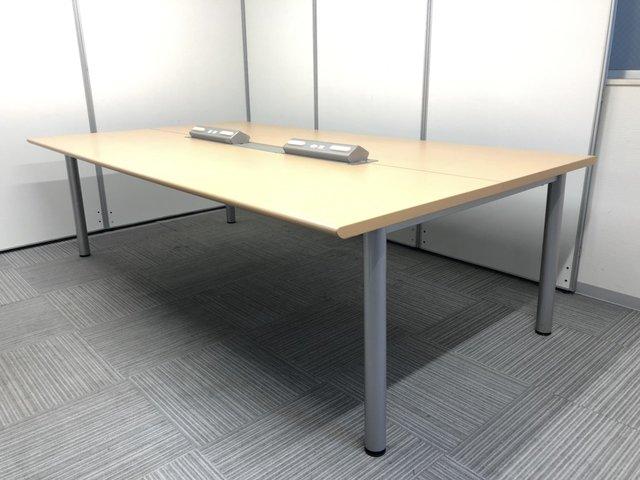 [電源コンセント付][4~6名様向け]ミーティングテーブル フリーアドレスデスクとしても活用可能 幅2400㎜