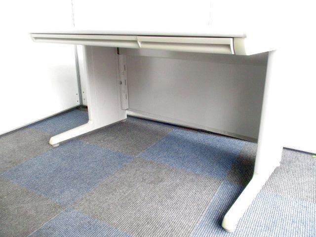 【まとめて入荷】オカムラ製の定番平机【使いやすい1200mmサイズ】