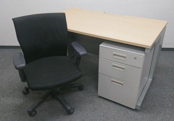 オフィス作りをサポート【デスクとチェアとワゴンのセット】