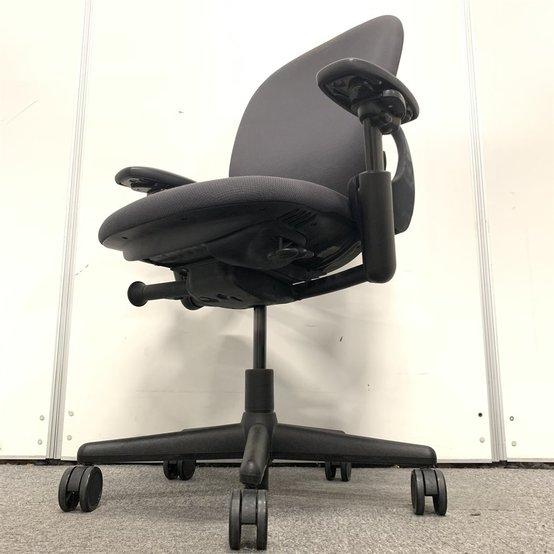 【アメリカ4大メーカー!】スチールケースを代表するオフィスチェア、リープチェア!座り心地、機能性抜群!状態良好!