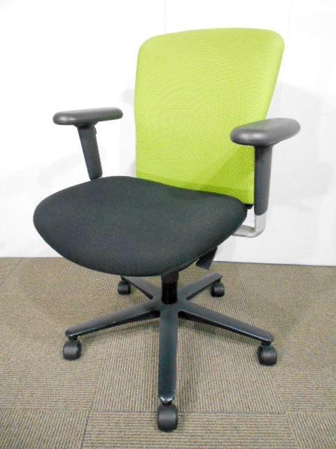 【柔らかい座り心地が人気なんです☆】優しく座る人をサポートしてくれるチェア♪【関西倉庫在庫】