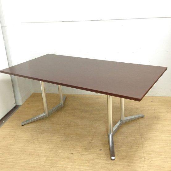 【傷ありのため】オーク調ダーク色の高級志向のテーブル 定価約26万円 オカムラ ラティオⅡ