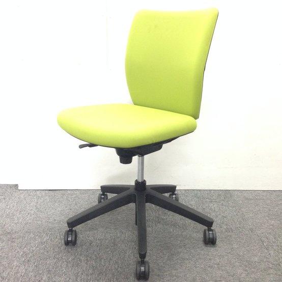 【ウチダ製】自然色のライトグリーンでオフィスを明るく!リクライニングするフリーシンクロ機構!【4脚入荷】