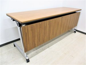 【定価15万】超オシャレ!エレガスタの名に相応しい高級感のあるお洒落テーブル!キャスターロック付き!