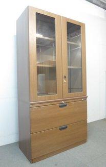【役員室にオススメ!】■オカムラ製 ガラス扉付き書棚 ブラウン