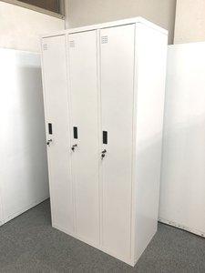 【ホワイトカラーの人気商品!!3人用ロッカーです!!】