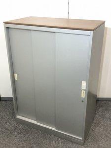 【ロット入荷】オカムラ製品のシルバーカラーの引き違い書庫の入荷です!スライドの扉になりますので、場所を取りません!