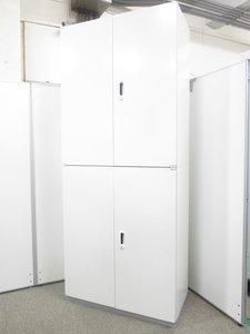 【整理整頓を頑張りたくなるホワイトキャビネット】■デザイン良くてオフィスの印象もUP■カギ作製サービス有ります。