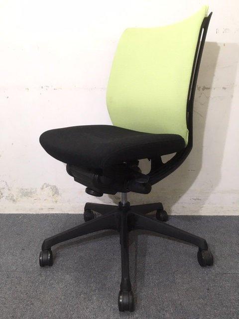 【9月納品までの限定価格】【30%off】事務椅子 オフィスチェア オカムラ製 ヴィスコンテ 快適な座り心地をあなたに!【お得】中古 高級チェア