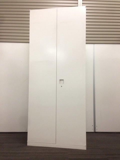 【6台入荷!】オカムラ製のホワイトワードローブ!美品です!【レクトラインシリーズ】
