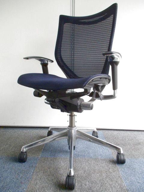【メッシュ×メッシュ】座る人に快適な心地よさを【シンプルかつシャープなデザイン】