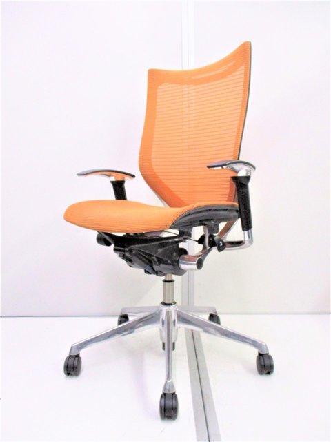 【鮮やかなオレンジ!】オカムラ製のバロンシリーズ!人間工学に基づいたデザイン性の高いチェアです!