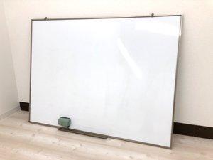 スペースを有効活用!壁掛け用ホワイトボードが入荷しました!