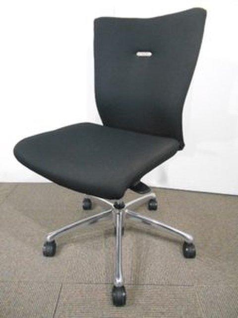 【10脚入荷】オカムラ製|フィーゴチェア|オシャレなデザインに快適な座り心地を実現!定番高級チェア☆【AK在庫】