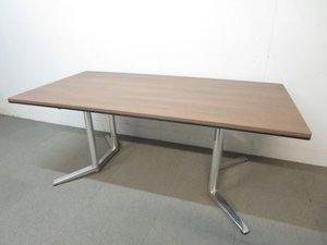 【エグゼクティブな空間にもフィット!】■オカムラ製 会議用テーブル(W1800×D900mm)ダークブラウン