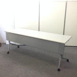 【31台ロット入荷】オカムラのサイドスタックテーブルが入りました!大量で揃いますので、開業や移転のお客様にオススメ!【キャスター劣化有り】