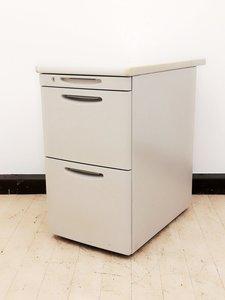 【机の延長、収納に】お問い合わせの多い人気脇机が入荷! A4ファイルサイズ収納可能!机の周りに置いておけます!