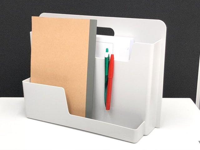 【スマホ、ノートPCなども入ります!】かゆい所に手が届く!コンパクトな収納BOX!【J】