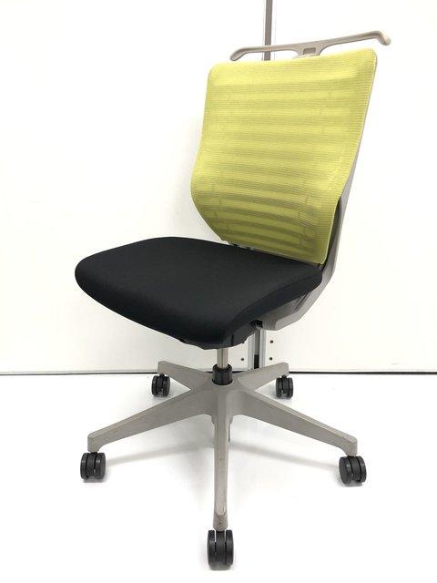 エピオス【オフィスが鮮やかに!】【人気のメッシュ素材のチェア!】【クリーニング済】