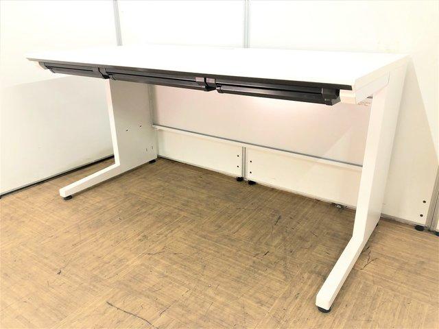 【人気のホワイト】幅1400㎜で広く使える平机【モニターを2台並べられます】
