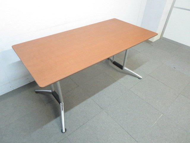 【高級感のあるデザイン!】■会議用テーブル ブラウン ■幅1500mm【メッキ脚が映える!】